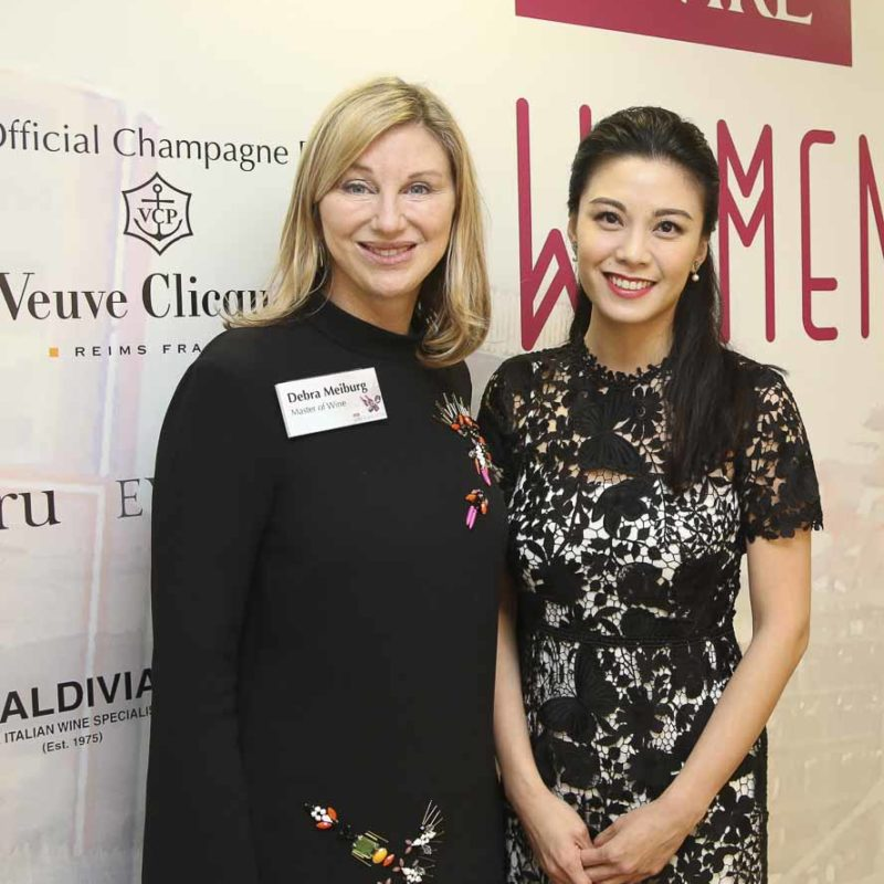 Debra Meiberg MW(左)和Bernice Liu廖碧兒(右)
