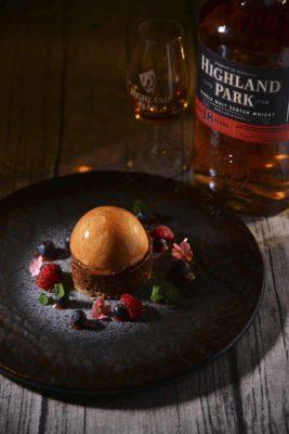 甜品:瑞典皇后蛋糕配Highland Park 18年蘇格蘭單一麥芽威士忌