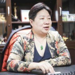 董佳蓉女士Anita接受酒誌訪問。