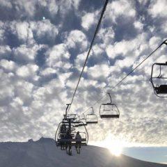 Mt. Hotham 雪山的吊車路線鋪滿整個山頭,令你可穿越山丘,發掘新風景; 初學者也不用擔心,這裏有設備完善的訓練課程,友善的導師會令你愛上這充滿挑戰的運動。