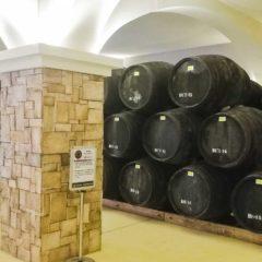 南投酒廠的4支蒸餾器,形狀、大小、出處各不相同,正說明了釀製威士忌草創至今的波折歷史。
