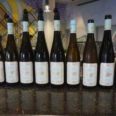 Rheingau是一種極能反映風土的葡萄,不同酒莊有不同風格,即使同一酒莊,來自不同單一葡萄園也展現不同風味:Robert Weil