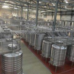寧夏西鴿酒庄—引進新西蘭設備,法國丶德國釀酒技術,年產量一千萬瓶的西鴿酒庄