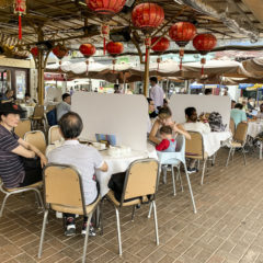 西貢的食肆也做了擋隔